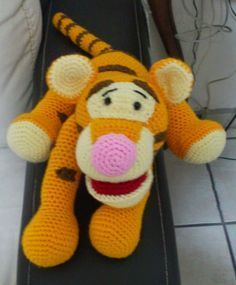 Tigger - Winnie the Pooh Amigurumi - Patrón Gratis en Español aquí: http://novedadesjenpoali.blogspot.com.es/2015/01/patron-de-tigger-amigurumi.html