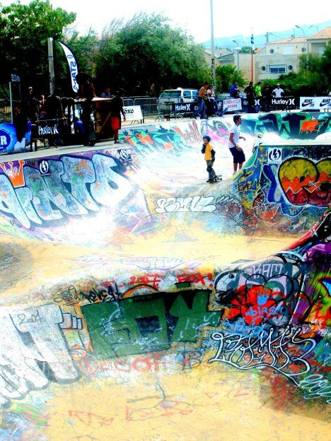 An urban skatepark covered in graffiti art work, Marseilles skate park is both beautiful and expansive. As France's largest outdoor skate park, skaters from all over europe stop by to grind on the various painted bowls and verts. It's unique style sets Marseilles apart from other parks around the world and offers a new experience unlike the usual terrain of outdoor parks.