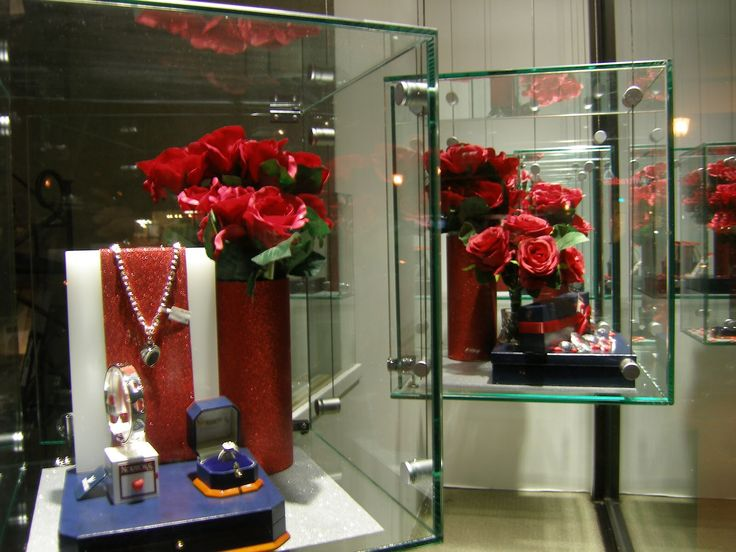Valentines Jewellery Window Display for Nortons Jewellers created by Moving Designz