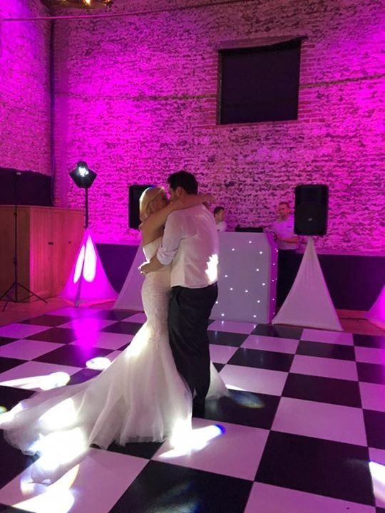 First Dance #granarybarns #granaryestates #firstdance #weddingvennue #barnwedding #dancefloor #disco #weddingdress