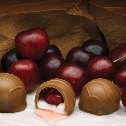 Amazon.com : Philadelphia Candies Milk Chocolate Covered Cordial Cherries with Liquid Center (28-count) Gift Box : Chocolate Covered Fruit : Grocery