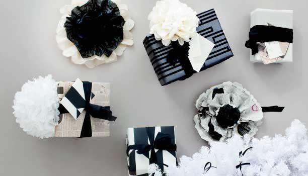 Store fluffy papirblomster er virkelig et dekorativt element, og samtidig signalerer de, at du har gjort noget ud af indpakningen. Se her, hvordan du gør