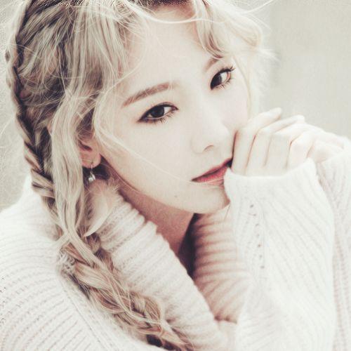 "Kim Taeyeon for 1st mini album ""I"""