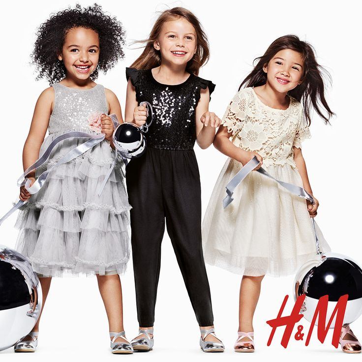 H&M has great holiday looks for everyone in your family! Enter to WIN a $150 GC now. #giveaway