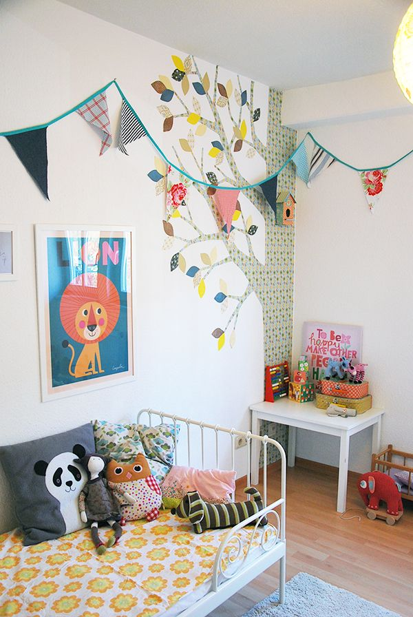 Colourful kids room / wallpaper tree