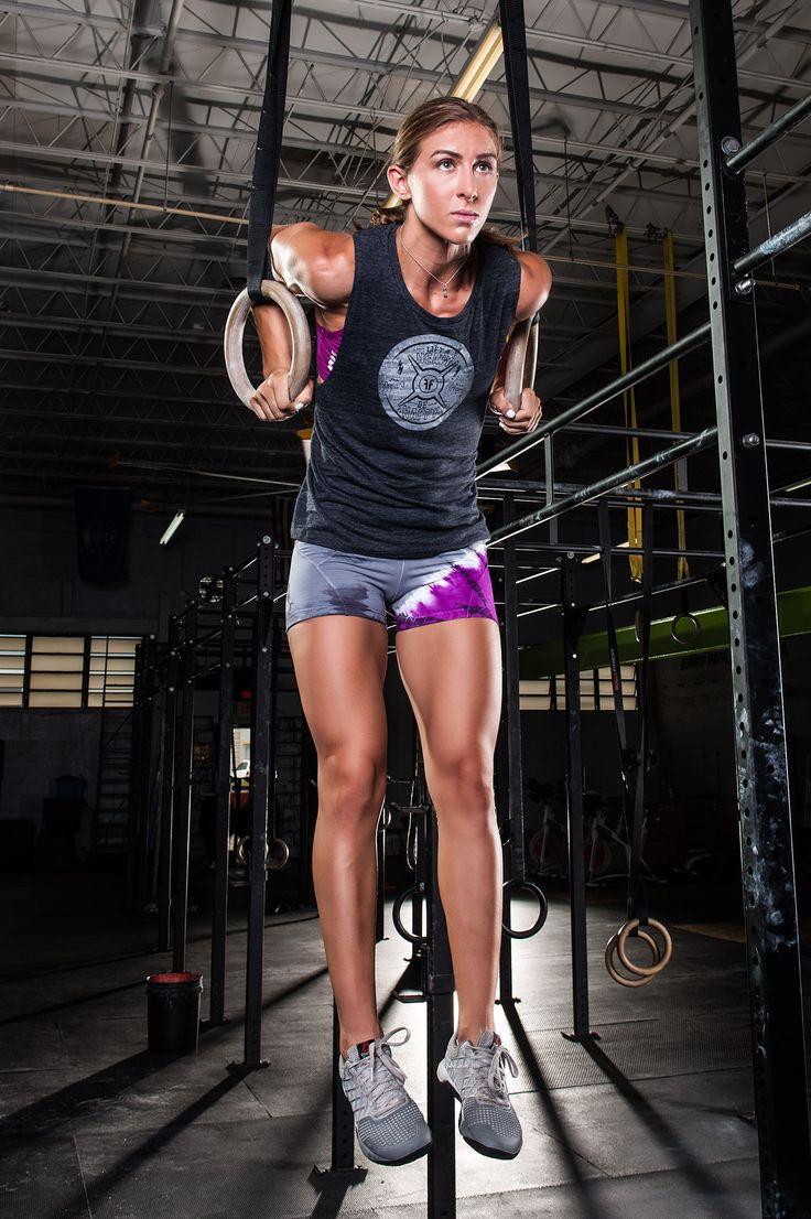 Fashletics - female fitness model - action.jpg (1237×1860)