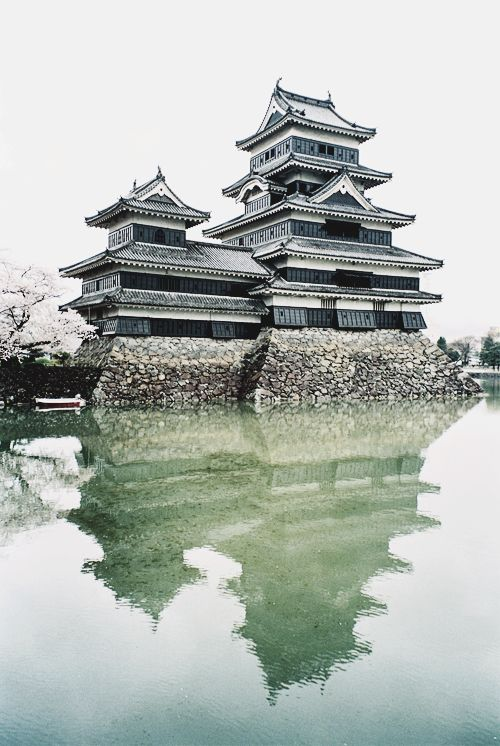 松本城 by lovelyivan Matsumoto Castle, Nagano, Japan // am-afterglow:wolf-teeth