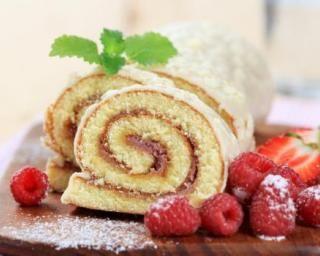 Gâteau roulé à la confiture de fraises au Thermomix® : http://www.fourchette-et-bikini.fr/recettes/recettes-minceur/gateau-roule-la-confiture-de-fraises-au-thermomixr.html