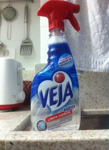 Não sei se alguém nessa vida gosta de limpar banheiro, mas a limpeza é necessária né? Pois é, nesses 10 meses morando na nossa casinha só contratamos uma diarista 2 vezes pra fazer aquela limpeza m…