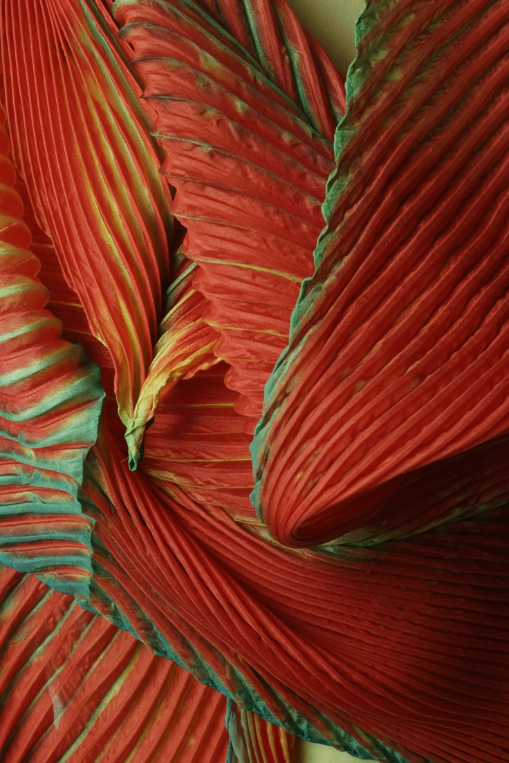 Detail of Shibori, the Japanese method of dyeing cloth that is similar to tie-dyeing...from www.entwinements.com
