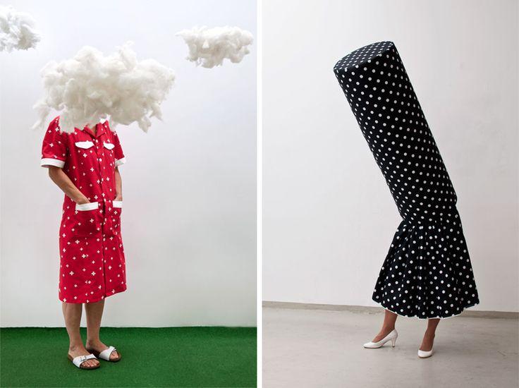 Estudio: Guda Koster, la vestimenta como indicador de identidad. Para Guda Koster, la vestimenta ofrece más de lo que aparenta y a través de sus esculturas vivientes explora el tema de la moda a través de un prisma innovador