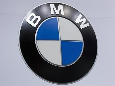 BMW Retakes U.S. Luxury Auto Sales Crown from Mercedes-Benz
