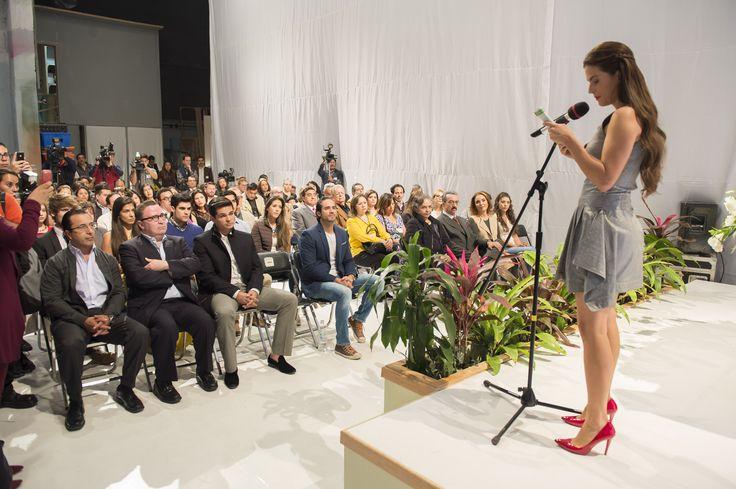 """Una de las nuevas producciones de TELEVISA celebró una misa por el inicio de grabaciones con todo el elenco y producción para desear suerte a este nuevo proyecto llamado: """"Simplemente María""""."""