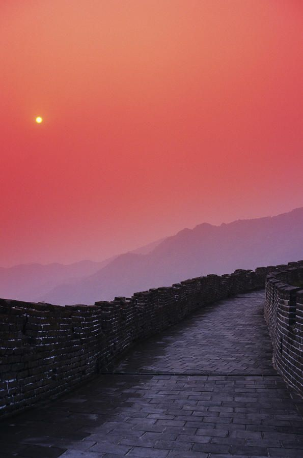 ✮ China, Mu Tian Yu, The Great Wall of China, bright red sky and distant moon