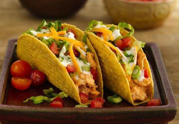 Hühnchen-Ranch-Tacos: Stellen Sie sich Ihren eigenen Lieblingstaco zusammen – Ihrer Kreativität sind keine Grenzen gesetzt!