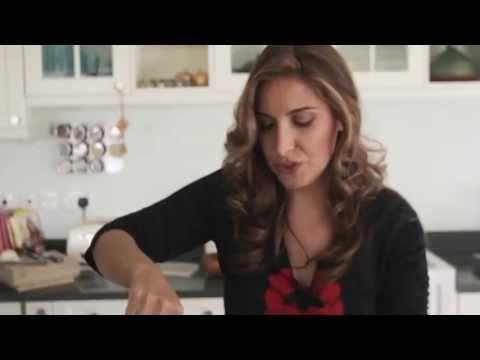 (1) How to make Fesenjoon (Fesenjan) by chef Ariana Bundy - YouTube