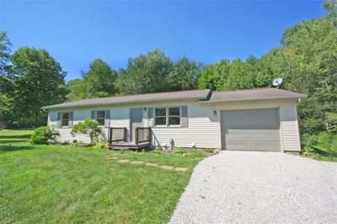 2783 Apple Valley Drive, Howard, Ohio - SOLD by Sam Miller of REMAX Stars Realty http://www.knoxcountyohio.com/Property/2783-Apple-Valley-Drive-Howard-Ohio-2.  #KnoxCountyOhio
