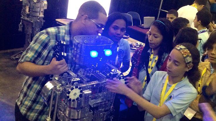 Cumbre educativa impulsa las ciencias, matemáticas, ingeniería y tecnología en Puerto Rico.