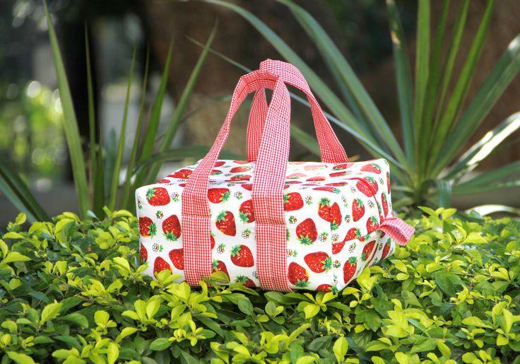 Lunch Bag com forro térmico. Para levar seu almoço no trabalho com muito charme ...  http://www.elo7.com.br/lunch-bag/dp/340B4C