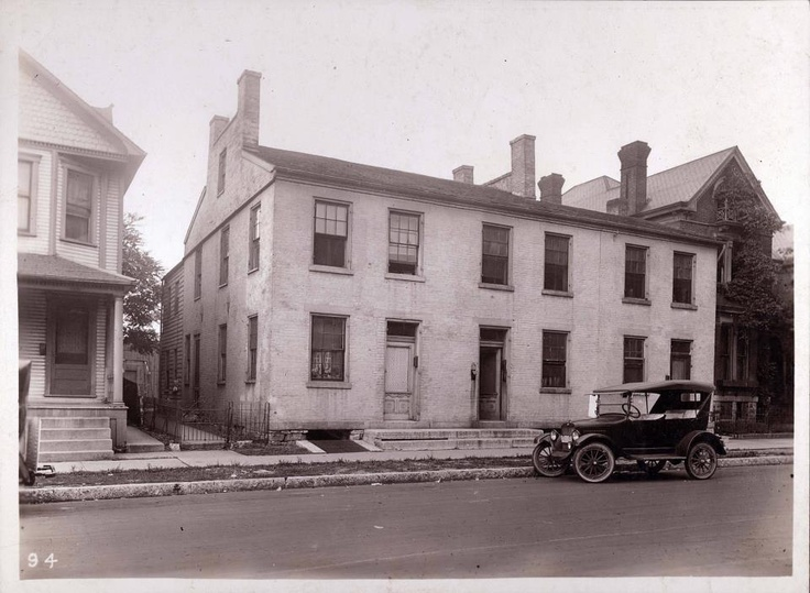 The original St. Elizabeth Hospital. 32. St. Elizabeth Hospital Dayton's first hospital was opened in an old residence on Franklin Street opposite Emmanuel Church in 1878. The place was fitted up with 12 beds and used until the St. Elizabeth Hospital was built on Hopeland Street in 1882.
