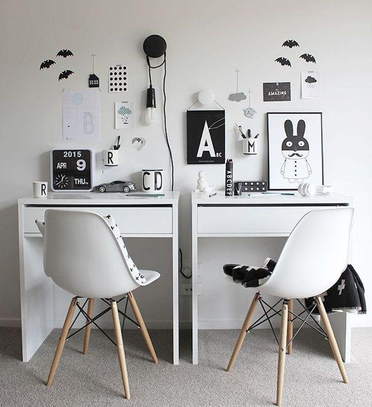 Мебель для школьника: рекомендации по выбору и 75+ вдохновляющих идей для обустройства детской комнаты http://happymodern.ru/mebel-dlya-shkolnika-foto/ Черно-белые дизайны рабочих зон разнополых детей