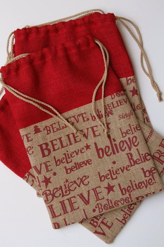 Bolsas de regalo de arpillera creo rojo y Natural por FourRDesigns