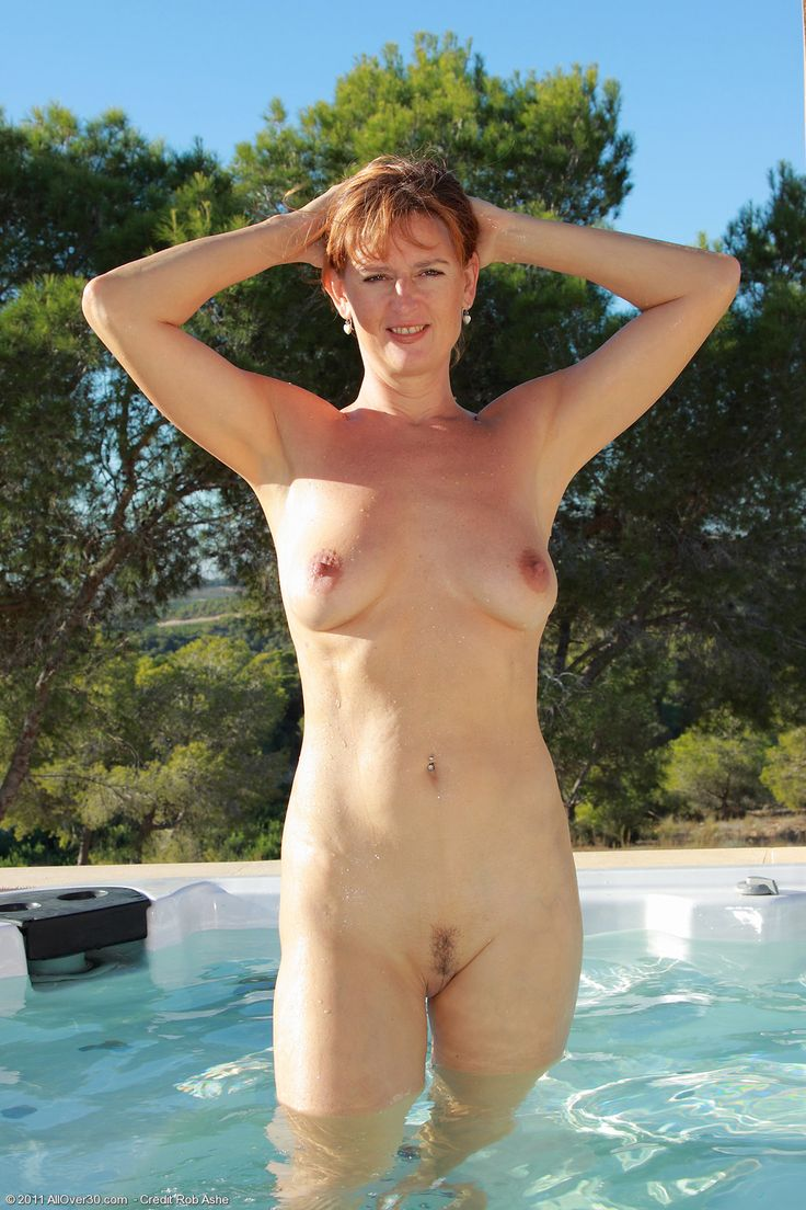 Nudist hot tub photos black pussy