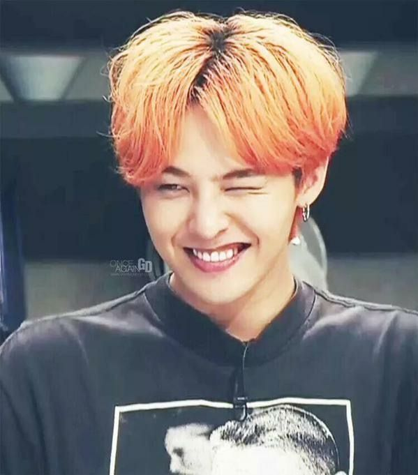 GD's smile is too cute! ♡