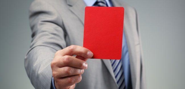 Per la Cassazione, la cartella di pagamento con vizio di nullità ma non impugnata si considera valida.