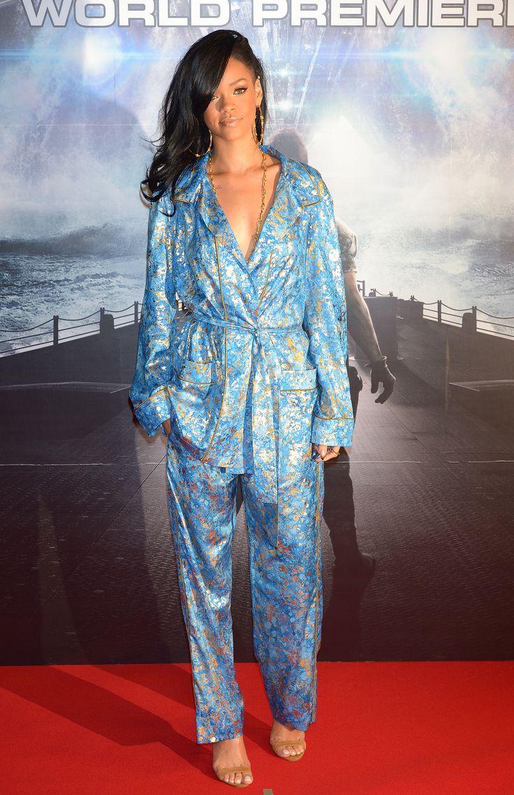 Звезды Голливуда носят пижаму вне дома #костюм #пижама #Рианна #КараДелевинь #Голливуд