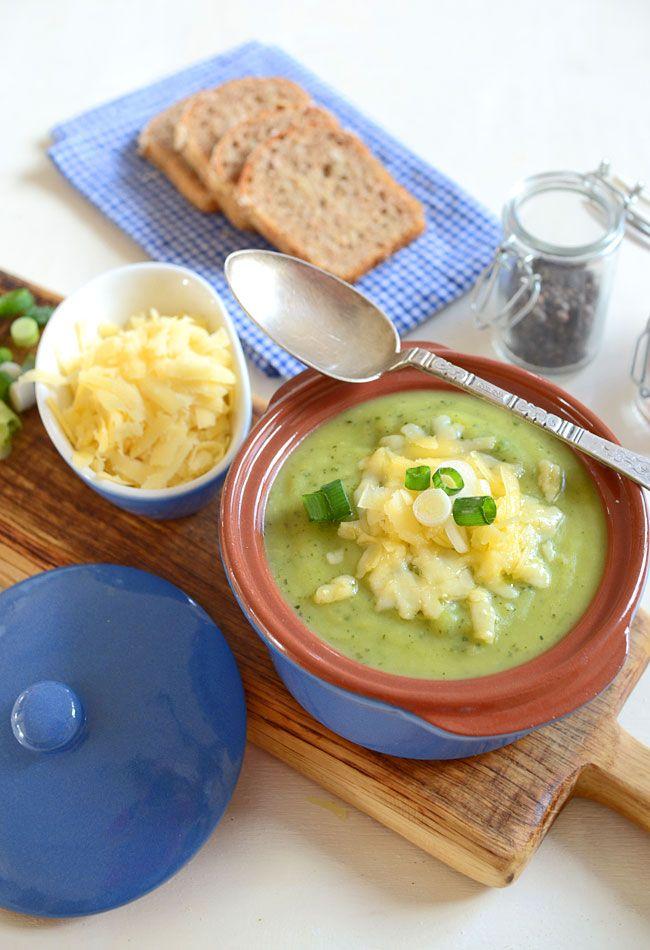 Zupa cukiniowa z ziemniakami i cheddarem