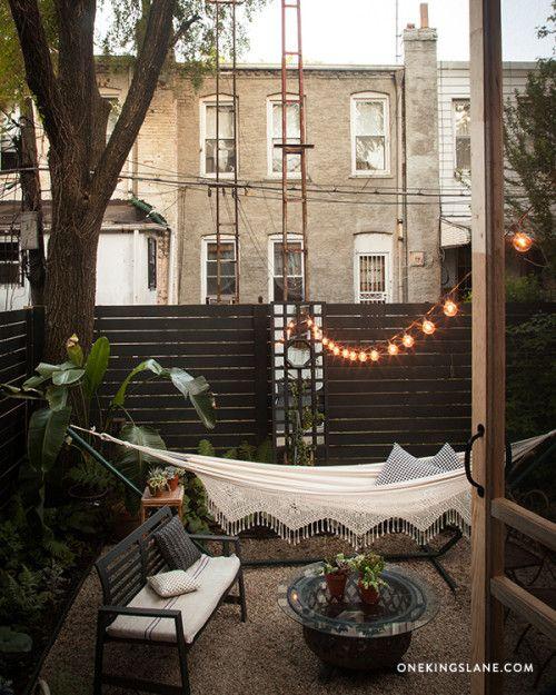 Super stylish + lush balcony garden Pinned from Design*Sponge: DIY mirrored trellis http://www.designsponge.com/2014/07/mirroredtrellis.html