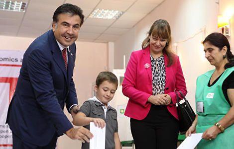 Жена Саакашвили мой муж хотел бы работать в Киеве - РИА Новости Украина