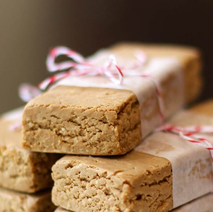 No-bake Peanut Butter Fudge Protein Bars - 170 calories, sugar free and 18g protein!