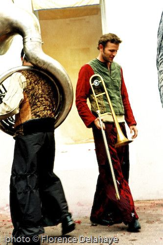 la fanfare chorégraphiée LA BELLE IMAGE à Chalon dans la rue 2005