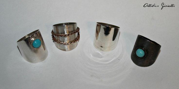 Anelli realizzati a mano, Fascioni in argento 925; lucido con pietra Turchese, lucido con intrecci in bronzo, lucido semplice, argento nero satinato con pietra Turchese...