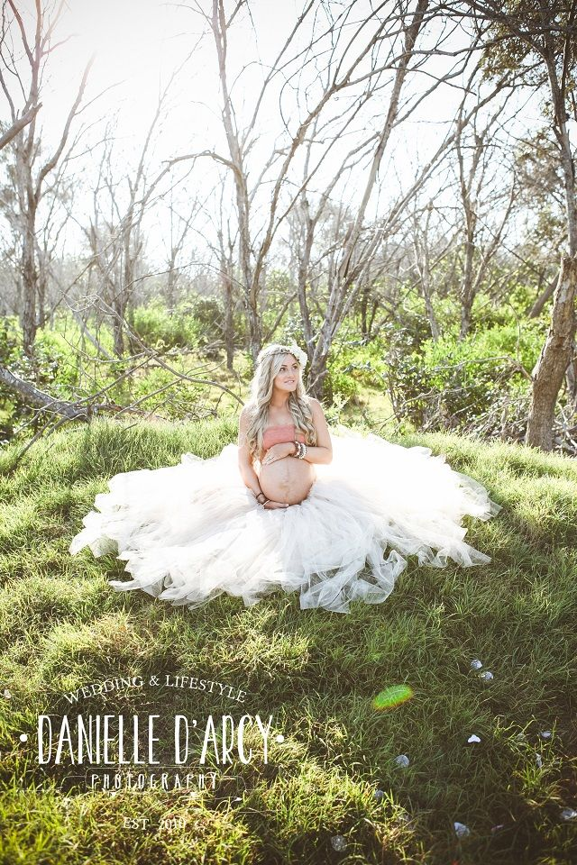 Skye's Beautiful Beach #Maternity Session By Danielle D'Arcy #Photography on Fawn Over #Baby