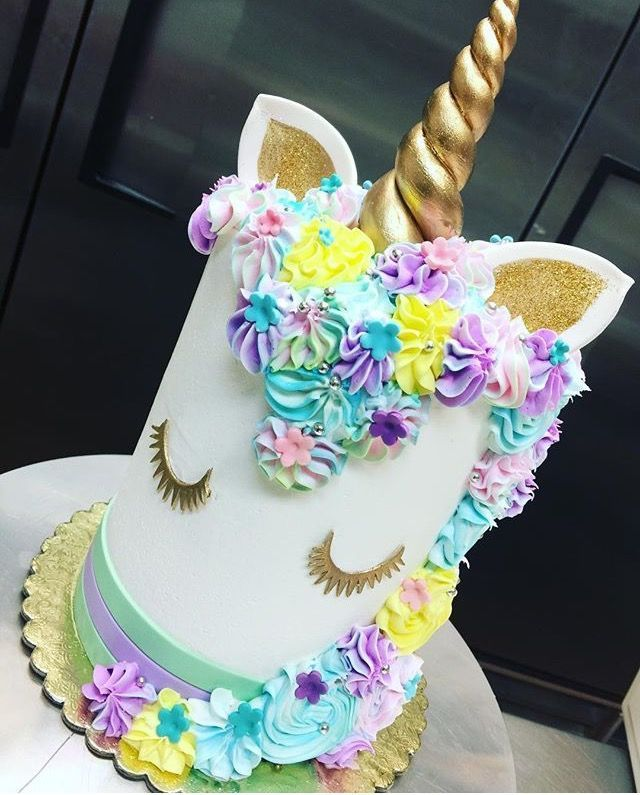 unicorn cake topper best 25 unicorn cake topper ideas on baby 8165