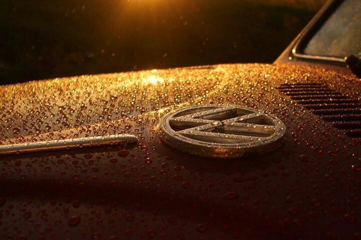 vw emblem rain drops light