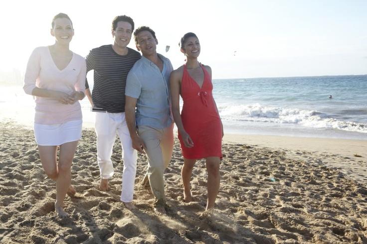 Hank (Mark Feuerstein), Jill (Jill Flint), Evan (Paulo Costanzo), and Divya (Reshma Shetty)