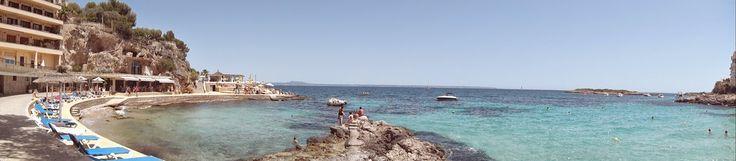 Ahhhhh o verão é sempre bom, ainda mais em uma ilha linda como essa, com águas cristalinas, praias limpas e restaurantes ótimos!!Dê uma passadinha no nosso Blog www.turmundial.com e conheça Palma de Maiorca na Espanha!!