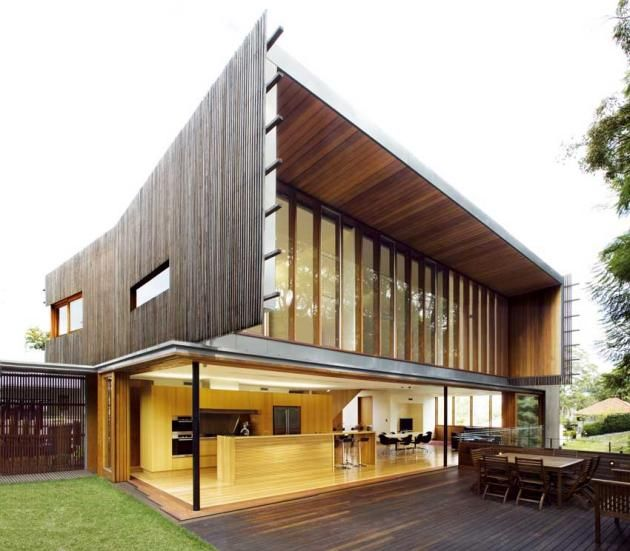 Richard Kirk Architects have designed the Highgate Hill Residence in Brisbane, Australia.