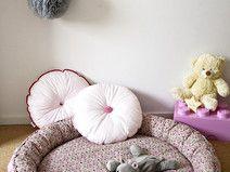 Mata do zabawy i leżakowania różowa łączka