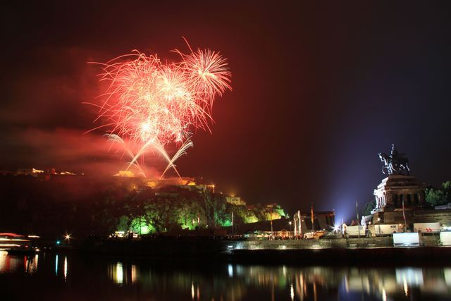 Rhein in Flammen (Rhine in Flames) is a spectacular 5-day, 5-cities fireworks display that occurs along the Rhine River and is a highlight for cruisers, visitors and locals.