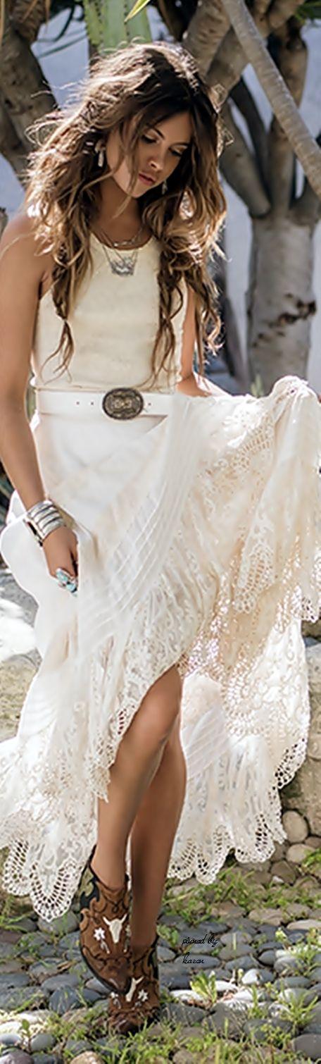 Chic white lace boho  ≫∙∙☮ Bohème Babe ☮∙∙≪• ❤️ by Babz™ ✿ιиѕριяαтισи❀ #abbigliamento #bohojewelry #boho