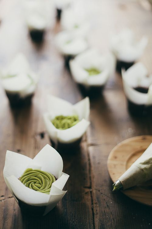 chocolate cupcakes with matcha green tea frosting // my name is yeh