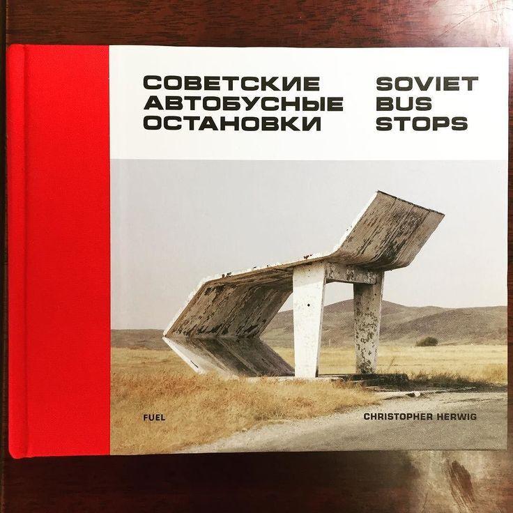 #バス停 だってアートになるんです#sovietbusstops #art  昨年行ったNYでは本もたくさん買いましたがこの1冊は見つけた時のアガり方が格別でしたSOVIET BUS STOPSすなわち旧ソ連のバス停の写真集です#ChristoperHerwig というカナダ人の写真家さんが作っています  なにそれ何が面白いのという感じかもしれませんが旧ソ連のバス停はなぜかデザインが異常に凝っていてもはやアートなんです日本の地味なバス停とは全く違い大きくて重厚で色も鮮やかまるで異次元へ通じる入口かのようなちょっとした建築物になっています  ついでに言うと旧ソ連の映画のポスターも色彩とレイアウトが独特でとても面白いしかっこいいです2-3年前に世田谷美術館で展示をやっていました旧ソ連の文化芸術を侮るなかれ…