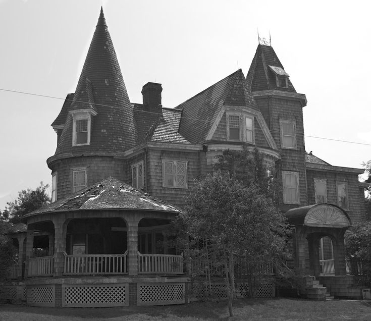 https://flic.kr/p/9Pzp2w | 1313 Mockingbird Lane | This is a house I found in Spring Lake NJ.  I have to find out the history, but it deserved the B&W treatment.