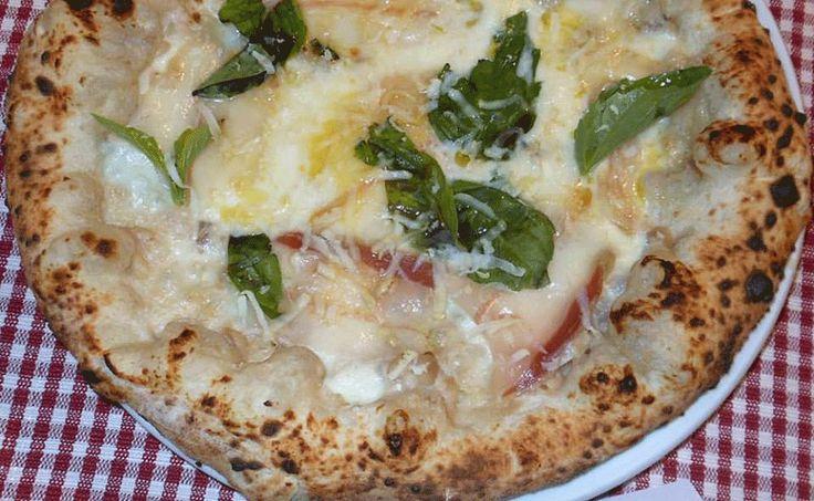 La pizza del sabato e della settimana. La patè di castagne di Carlo Sammarco.  http://www.ditestaedigola.com/la-pizza-del-sabato-la-pate-di-castagne-di-carlo-sammarco/