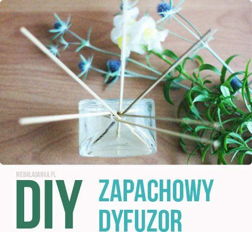 Cześć! Dziś mam dla Was kolejny sposób na piękny zapach w domu. Domowy dyfuzor zapachowy w wersji olejowej.   Do jego przygotowania potrz...